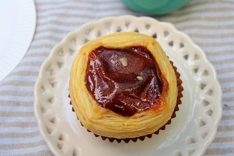 [彰化美食] 256層酥皮蛋塔+咖啡免費吃(吃免驚!!) 滿口濃郁爆漿,有層次的銅板價格美味甜點:貝林古堡蛋塔 @小腹婆大世界