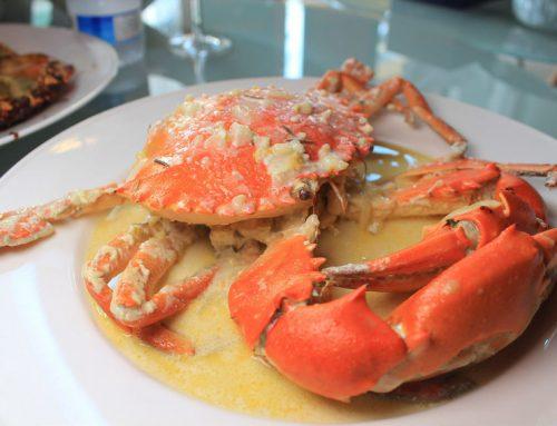 【高雄美食】蟹皇宴CrabParty,足足一台斤重的肥美沙公,特製醬汁讓人吮指回味,每日限量。