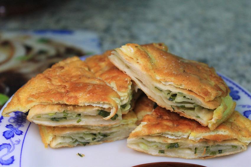 【宜蘭美食】頭城阿ㄋ蔥油餅,20冬的好滋味(從小吃到大的好吃蔥油餅!!~ @小腹婆大世界