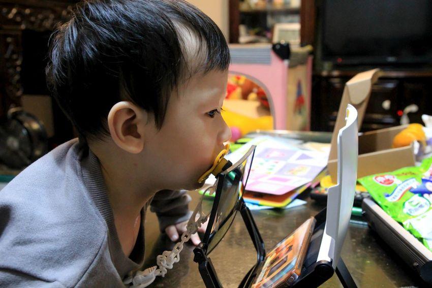 屬於小朋友的追劇護眼神器 :播劇寶,波力卡通不間斷~具有類3D立體效果,畫面更真更美,久看不傷眼。
