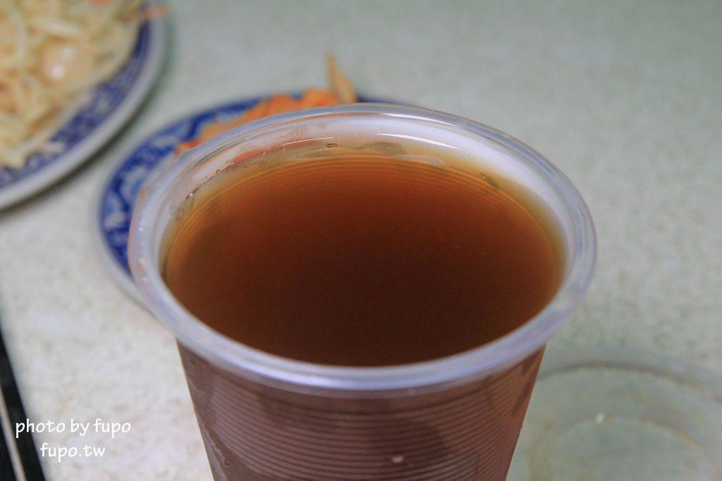 嘉義市林記新加坡肉骨茶_超好喝!冬天不能錯過的一味黃金湯頭,完全不輸藥燉排骨的肉骨茶麵~超大麵量+湯不用錢,隱藏版黑馬菜單..晚來就沒有了~嘉義市林記新加坡肉骨茶
