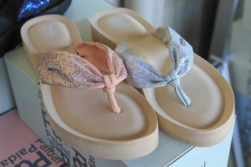 只有四天!paidal百貨女鞋開倉特賣全面一折起..最低99元~甜點系女孩不能錯過的鞋款!新版雪靴//狗年必敗Q版系列鞋/包頭鞋/平底鞋/娃娃鞋/馬卡龍鞋,氣墊軟Q軟Q~(影片)