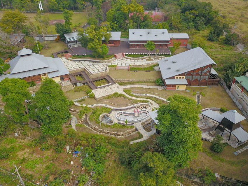 彰化清水之森,浪漫溫泉景觀景點:露天風呂、湯屋、男女裸湯、大眾池、兒童戲水池、戶外風呂泡湯溫泉區即將完工。