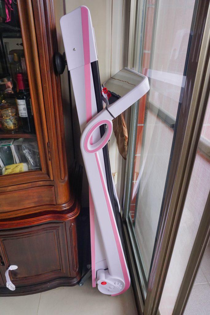 居家生活推薦:輝葉小智跑步機HY-20602,超美型珍珠白,簡單收納完全不占空間(潮濕北台灣推薦!)
