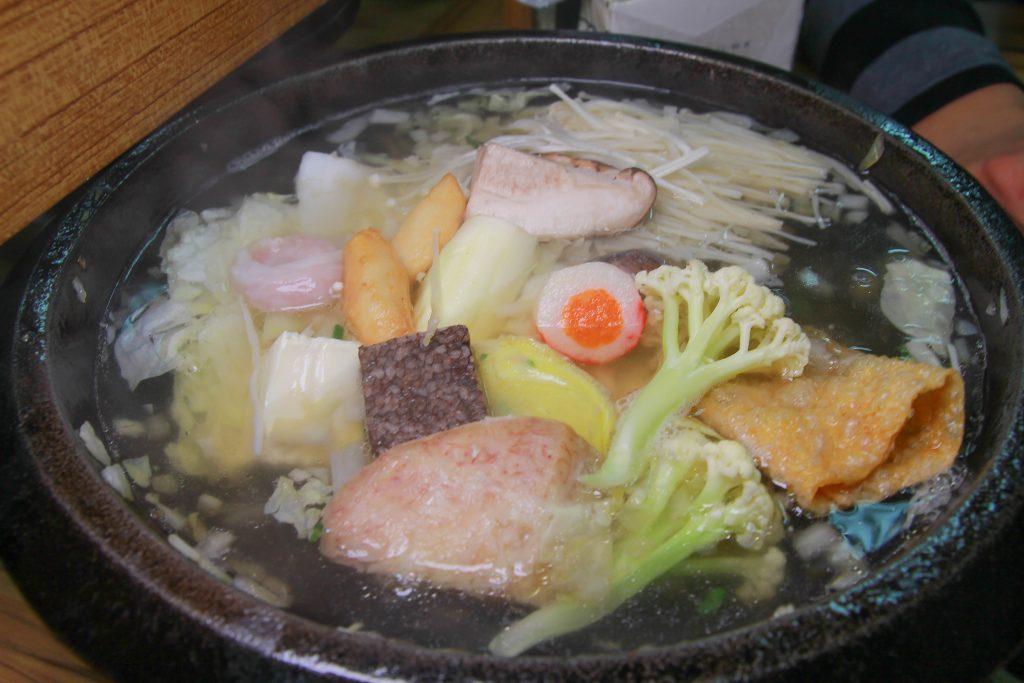 新北金山美食》 福緣火鍋~加油站旁的美味石頭火鍋,超新鮮海鮮,最後還可以煮粥,在地人推薦的美味。