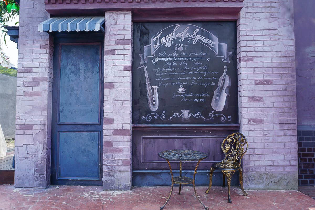 彰化新景點.琉璃仙境改版~哥德式雪白教堂.水管屋.魔法時光屋,蜀葵花海,一定要拍個一千張啊!
