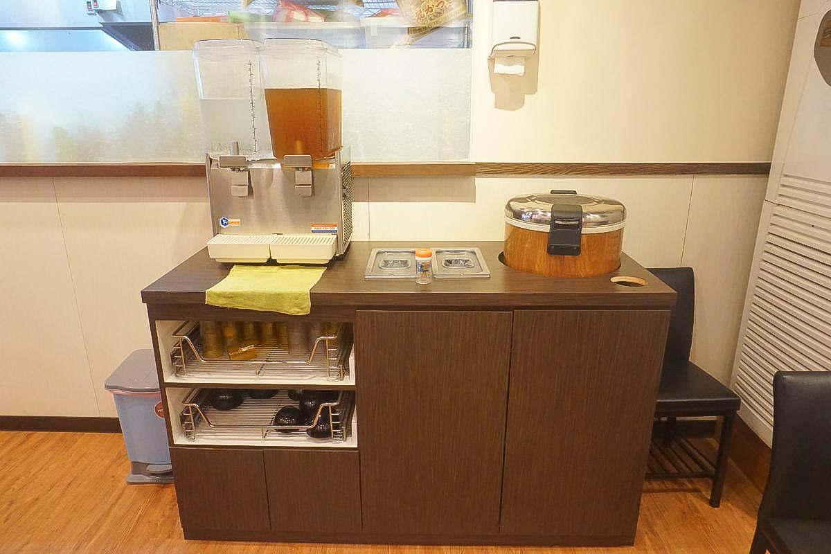 汐止美食:男子漢拉麵食堂,連日本人都來朝聖,炸蝦叉燒雙拼一次滿足,免費加麵,日式定食,火鍋