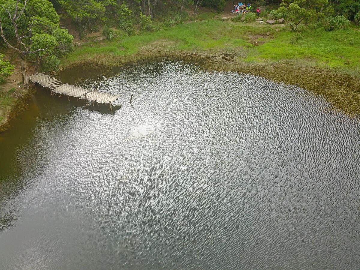 [新北汐止]新山夢湖長了斑點.寶特瓶、玩水的人們和帶不走的垃圾山..