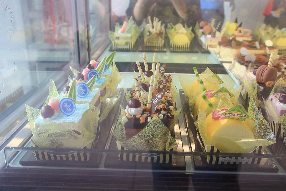 彰化隱藏版景點|明道大學:一秒飛歐洲!超浪漫旋轉廊道.日式走廊.超美甜點店.超大湖泊還可以划船,帶上野餐籃度假去!