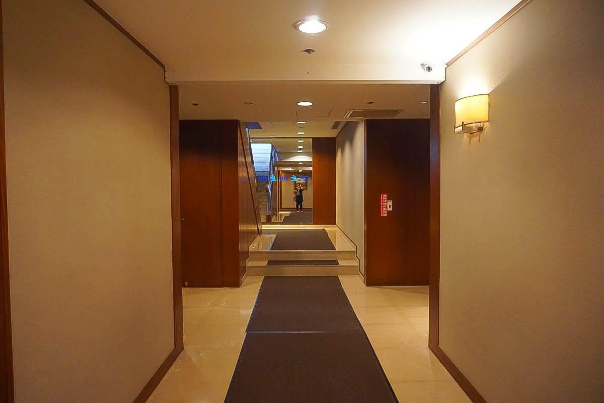 台中親子住宿|裕元花園酒店,我的母親節享樂日記,經絡理療,無邊際泳池,超美夜景,超豐富早餐!