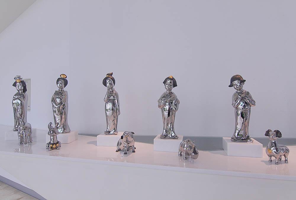 彰化|彰化縣立美術館:你不知道的超好玩景點:巨人美女精靈、彰化意象、紅心皇后領著大軍出現彰化市、鳳凰花步道~