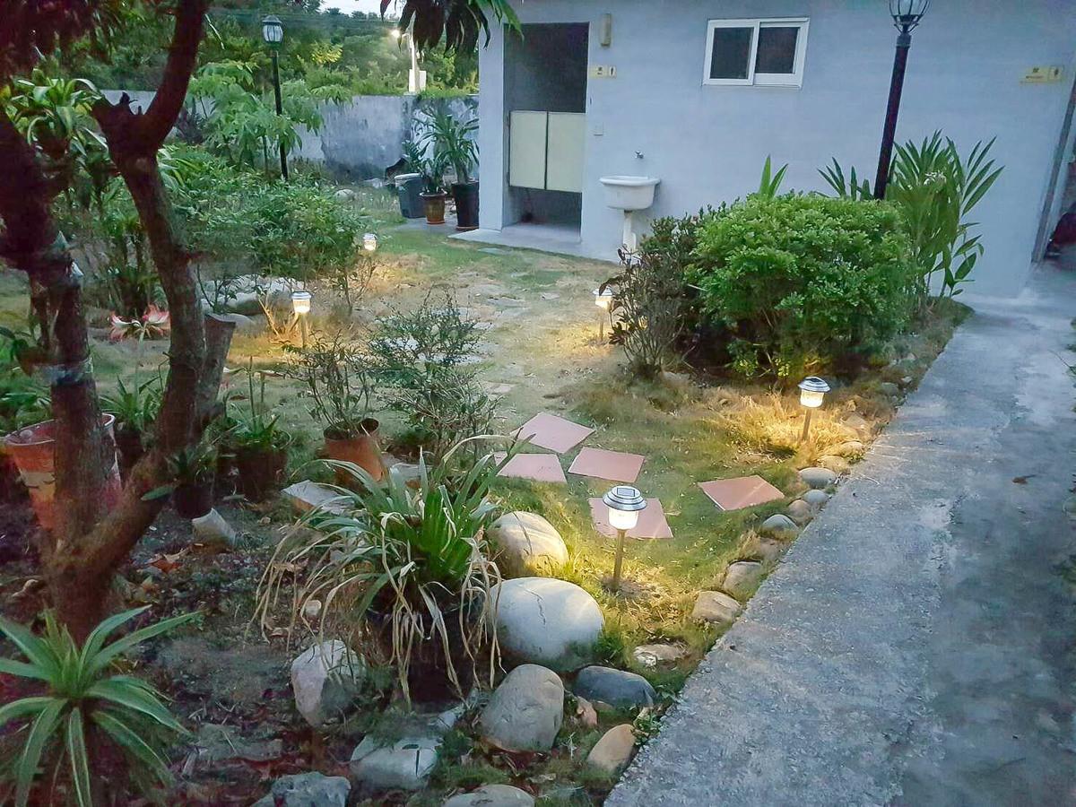 彰化金字塔?!灶咖林ㄉㄟˊ~花園中的金字塔茶餐廳,不限時間讓大家聊天聚餐秘密基地~