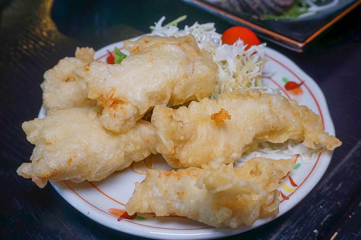 日本北九州大分縣「別府明礬溫泉湯之裡」~必吃炸雞天婦羅套餐、欣賞天然湯之花,必買伴手禮推薦,有吃有喝也有住哦。
