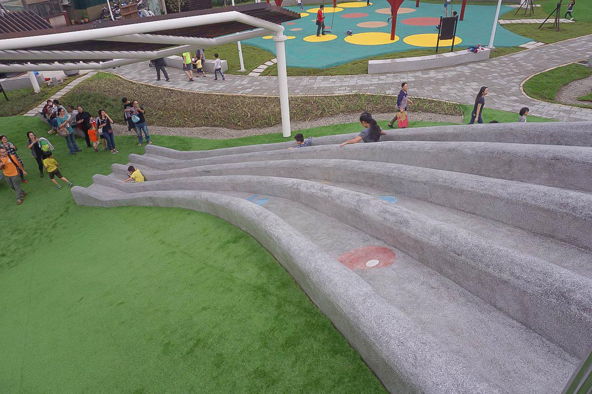 新北汐止白雲紙飛機主題公園 全台首創環形鞦韆、三層九道滑石溜滑梯、超大沙坑、挖土機、攀岩場、蹺蹺板超好玩!大人超快只要五秒!