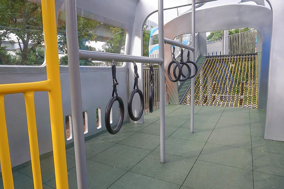 新北市親子公園》林口樂活公園~全台首座捷運主題公園,捷運售票口,飛機區,四米高捷運車廂溜滑梯好刺激