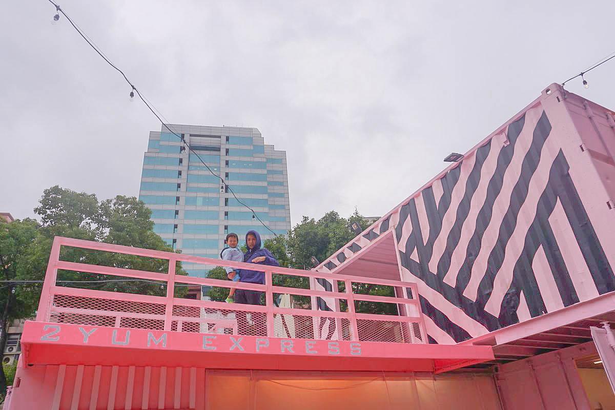 桃園最新網美集散地 G10 GO!桃園首座貨櫃市集11/1試營運:粉嫩雨傘、馬卡龍鞦韆、泳池賽道,甜美風.工業風.美式漫畫風一次滿足!