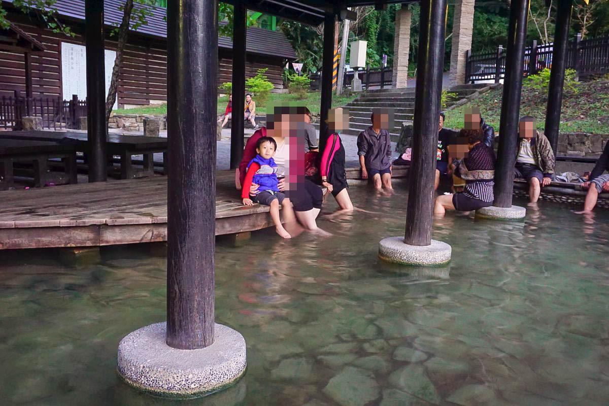 新竹泡湯去|五峰清泉溫泉會館:試營運到十一月通通免費!超美的大眾湯、免費足湯、部落市集吃美食、超好拍的日式建築!