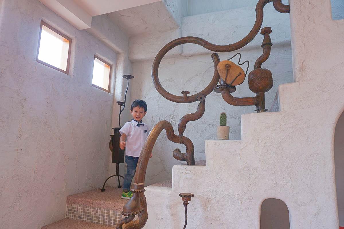 台中貓門moment|不出國也像置身希臘~超大可愛貓型拱門,希臘的白色小村落就在這! 必點超濃郁牛奶冰淇淋~網美出發囉!