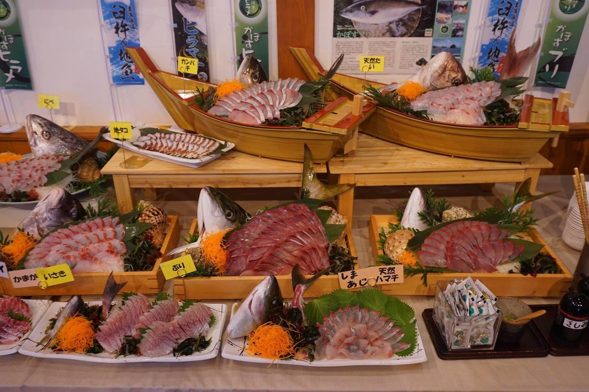 九州~四國周遊行|明礬溫泉、少爺列車、由布院之森、一次三十種生魚片吃到飽、雞肉天婦羅~泡湯之旅出發!