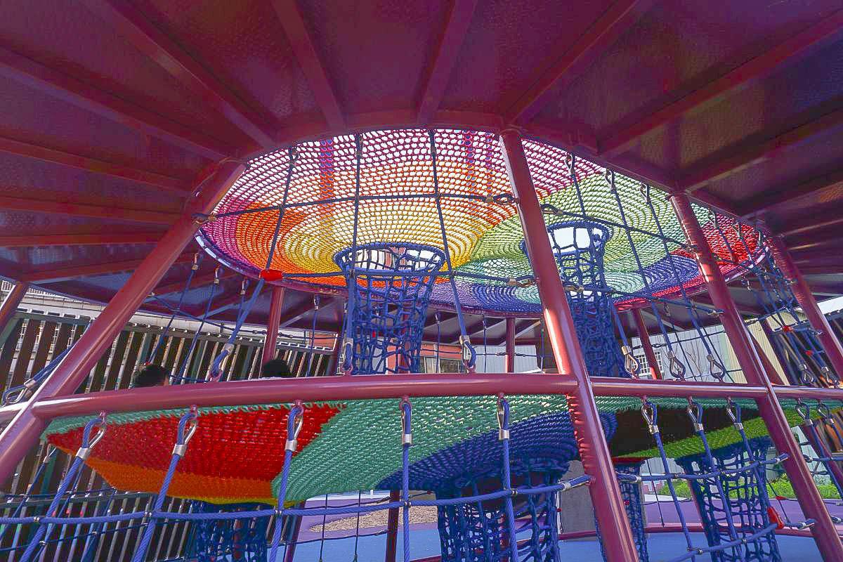 新北樹林特色公園》樹林東昇公園:全台首座星際探險主題公園~銀河星球主題公園~360度鞦韆、水管隧道、透明旋轉溜滑梯、沙堆、多人鞦韆~