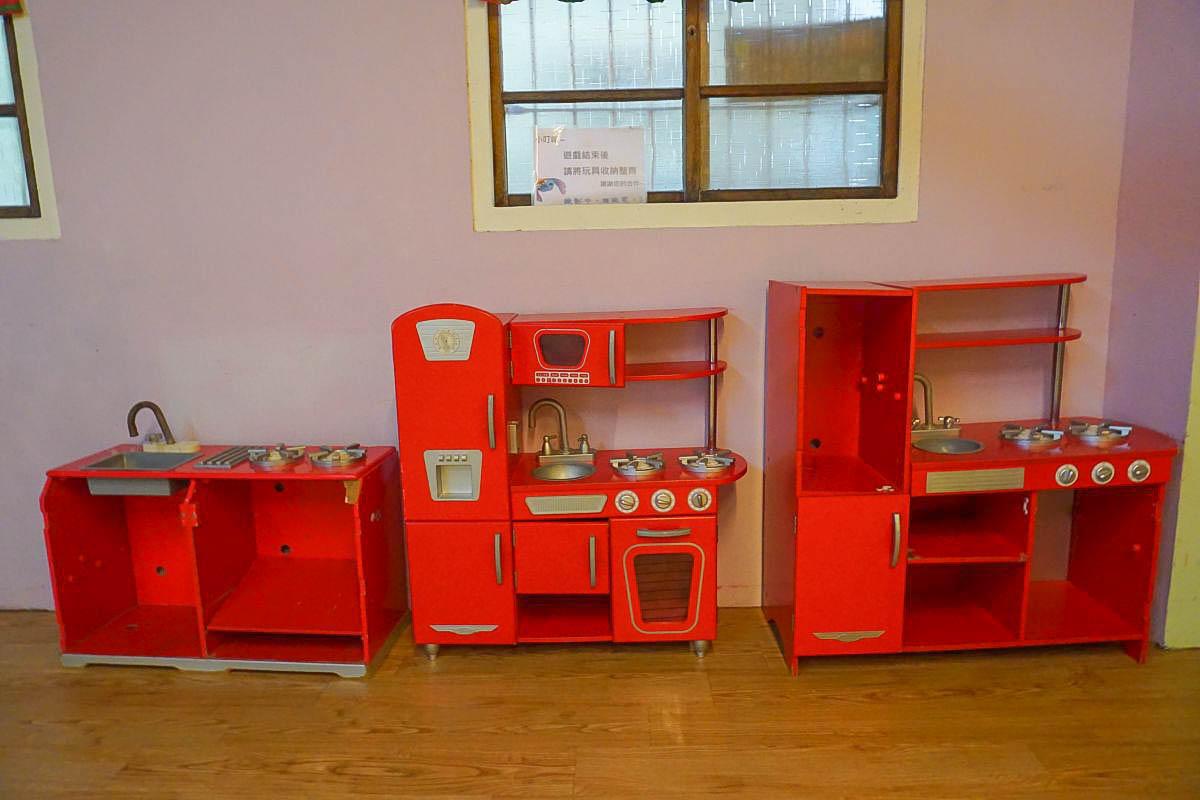 南投可愛小景點:敲敲木工房~進入娃娃兵音樂和世界,製作獨一無二的車車音樂盒、辦家家酒區、木頭玩具免費試玩。