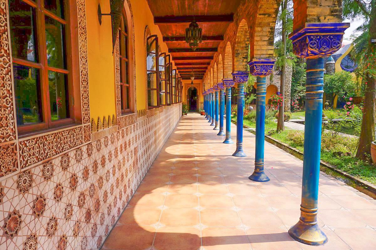 雲林斗六景點》美拍景點!摩爾花園餐廳:西班牙城堡糖果屋風格,穿越地道才會抵達的皇家餐廳 @小腹婆大世界
