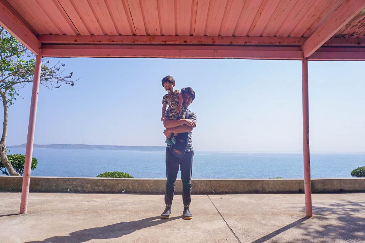 澎湖北環.西嶼|燭台四景,欣賞無限蔚藍海景的樹蔭遠眺區,會長鬍子的關公,隱藏版迷你濱海花園。