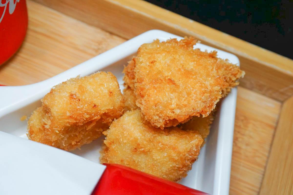 新竹美食|蝶屋日本料理,超可愛飛機兒童餐,精緻定食,新鮮彈牙龍蝦,嫩肩牛,煙波美食推薦,菜單價格。