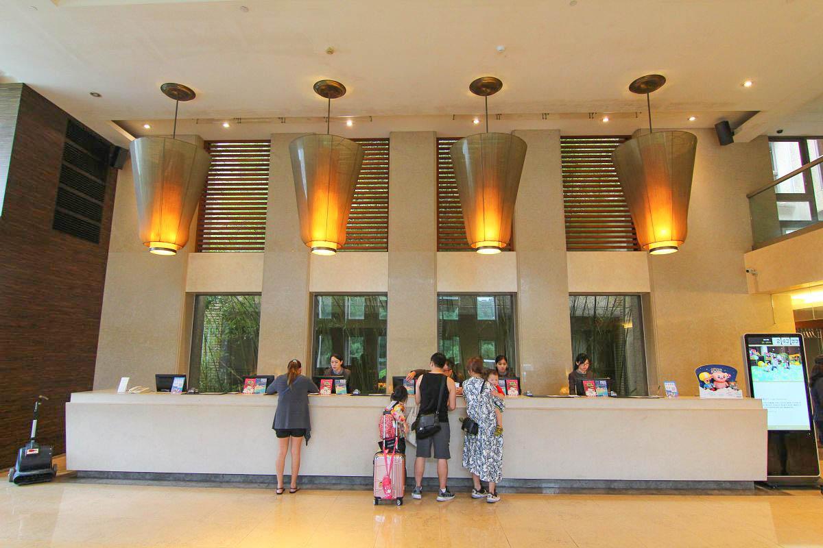 新竹親子住宿:煙波大飯店湖濱館(全台十大親子飯店):入住玩到退房,2300坪室內遊戲區、餐廳、溫水溜滑梯遊泳池超好玩~