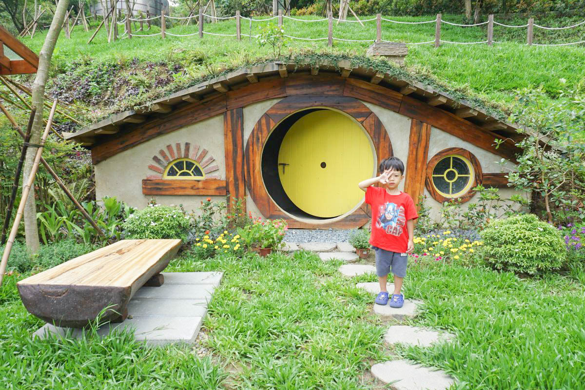 苗栗新景點》哈比丘.不用飛紐西蘭了!超真實童話哈比村探險~森林秘境尋找哈比人去!7/2~7/15開放免費入園(預約制)