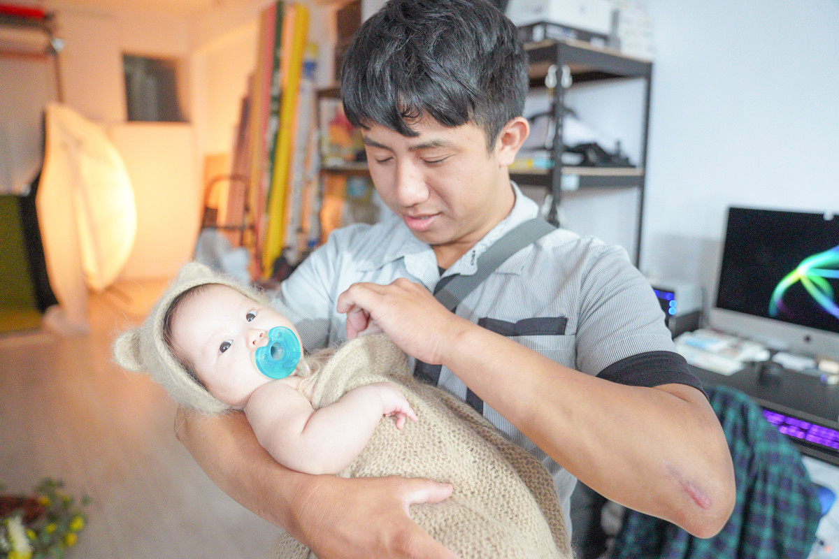 超可愛的嬰兒寫真開箱,超忙碌嬰兒拍照記錄(有影片)~胖達熊映像館.新生兒寶寶寫真,台北新北新生兒寫真拍照推薦~