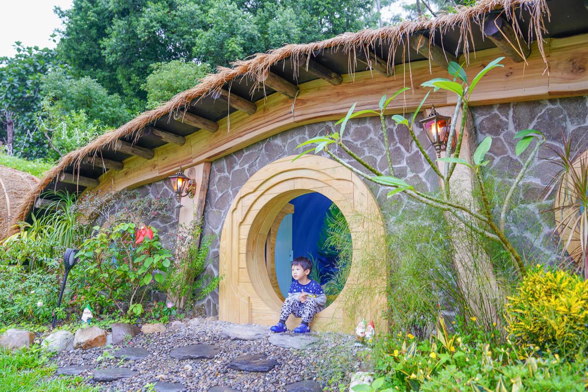 宜蘭新景點》浪漫指數破表!兔子迷宮礁溪浴場~哈比屋村落、粉紅愛心城堡浪漫登場、七大必拍場景、大眾運輸、一日遊就醬玩~