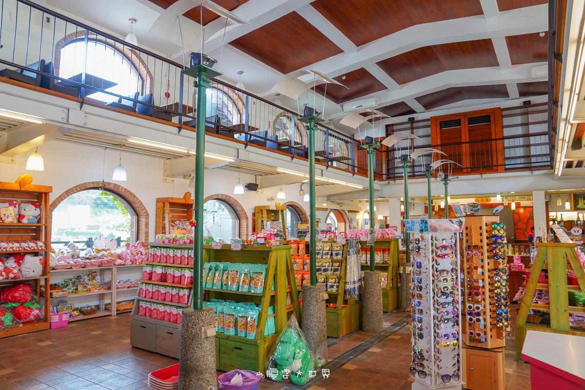 苗栗》免門票的草莓王國!大湖草莓文化館,超好拍的滿滿草莓:三層樓草莓巨大地標、等人高草莓、草莓伴手禮應有盡有!