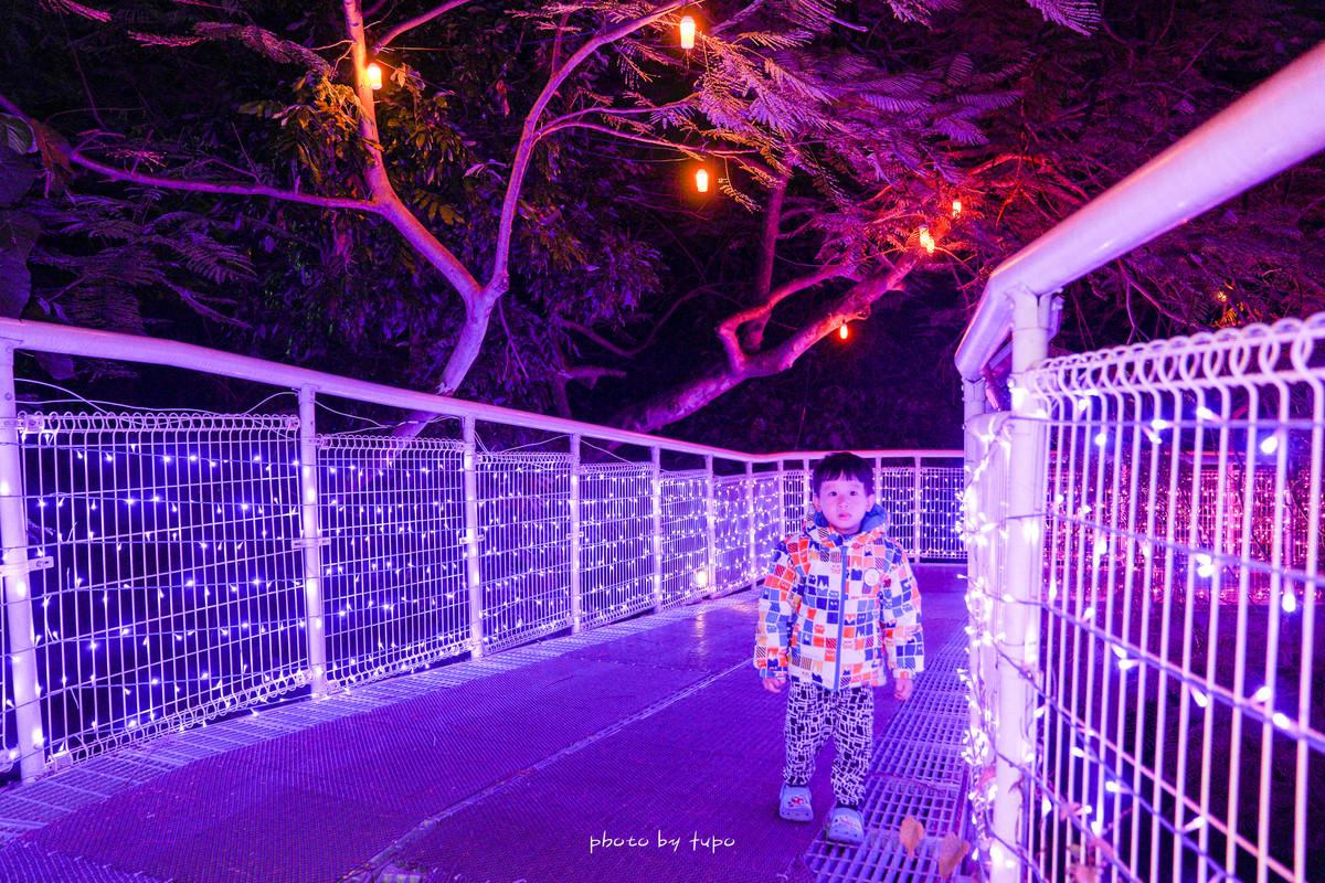 彰化夜景》彰化八卦山大佛月影燈季(至2/9元宵節隔日),為期五十天的浪漫燈節,五十萬盞燈齊放綿延二公里超壯觀!