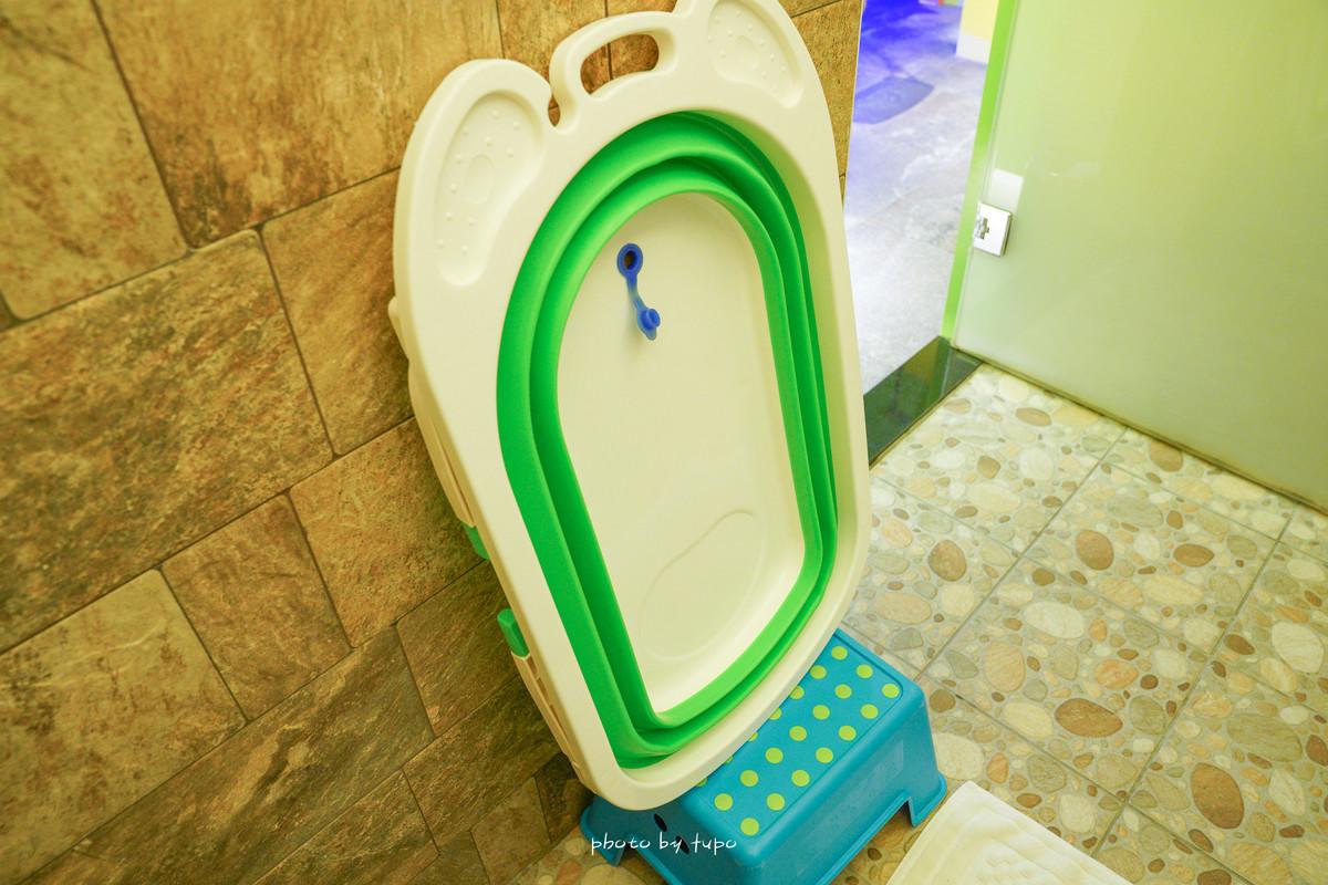 宜蘭親子景點《埃及白宮:偽出國景點, 完全免出門,泳池和房間內大浴缸都可以玩水、室內遊戲區賽車玩不完!