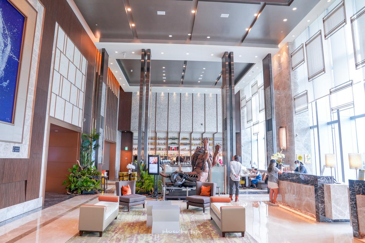 南港高鐵住宿推薦:六福萬怡酒店Courtyard Taipei,樓下就是商城,交通方便,豐富早餐buffet,叫外送也方便!