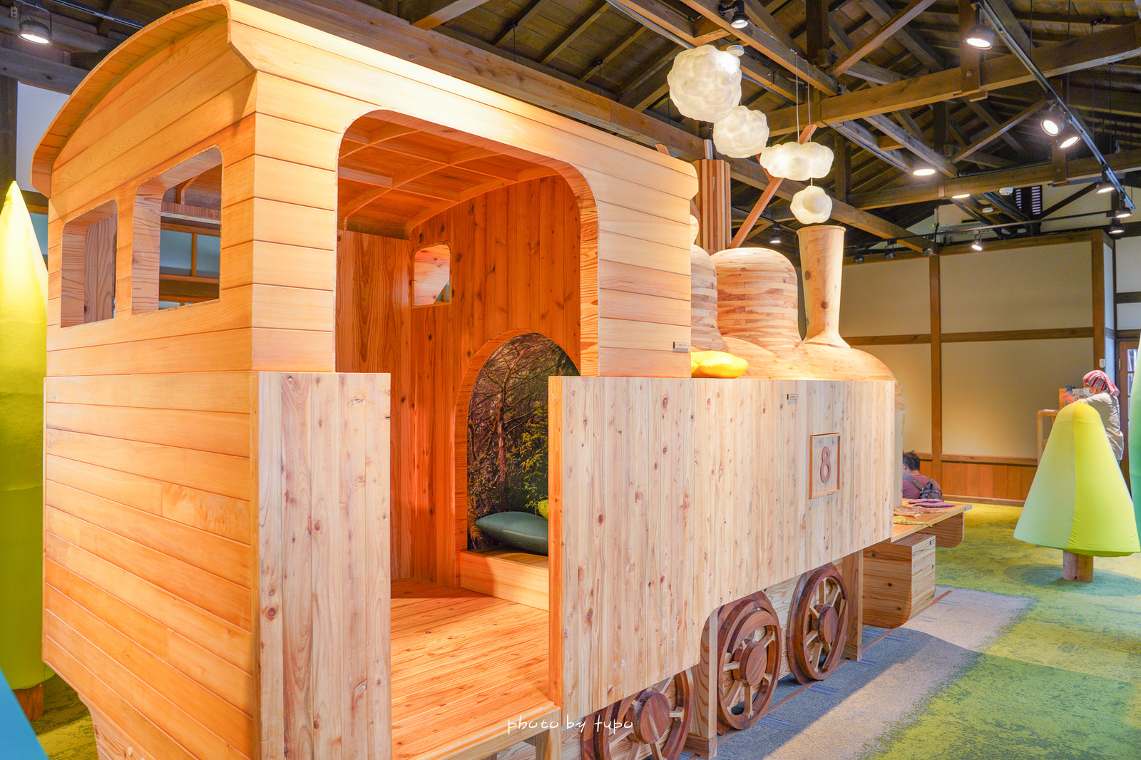 宜蘭新景點》最新森林火車主題館~林場kids扣屋,線上預約,免費參觀、室內冷氣、大樹葉遊戲區、來去火車裡探險囉!