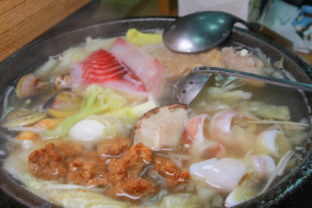 即時熱門文章:新北金山美食》 福緣火鍋~加油站旁的美味石頭火鍋,超新鮮海鮮,最後還可以煮粥,在地人推薦的美味。
