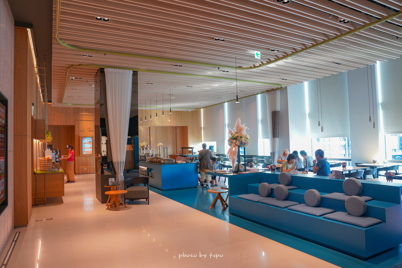 台北住宿推薦》都市渡假風!南港老爺行旅 The Place Taipei ,最大行旅套房搭配大面景觀窗,河岸市景一次擁有,大眾運輸便利