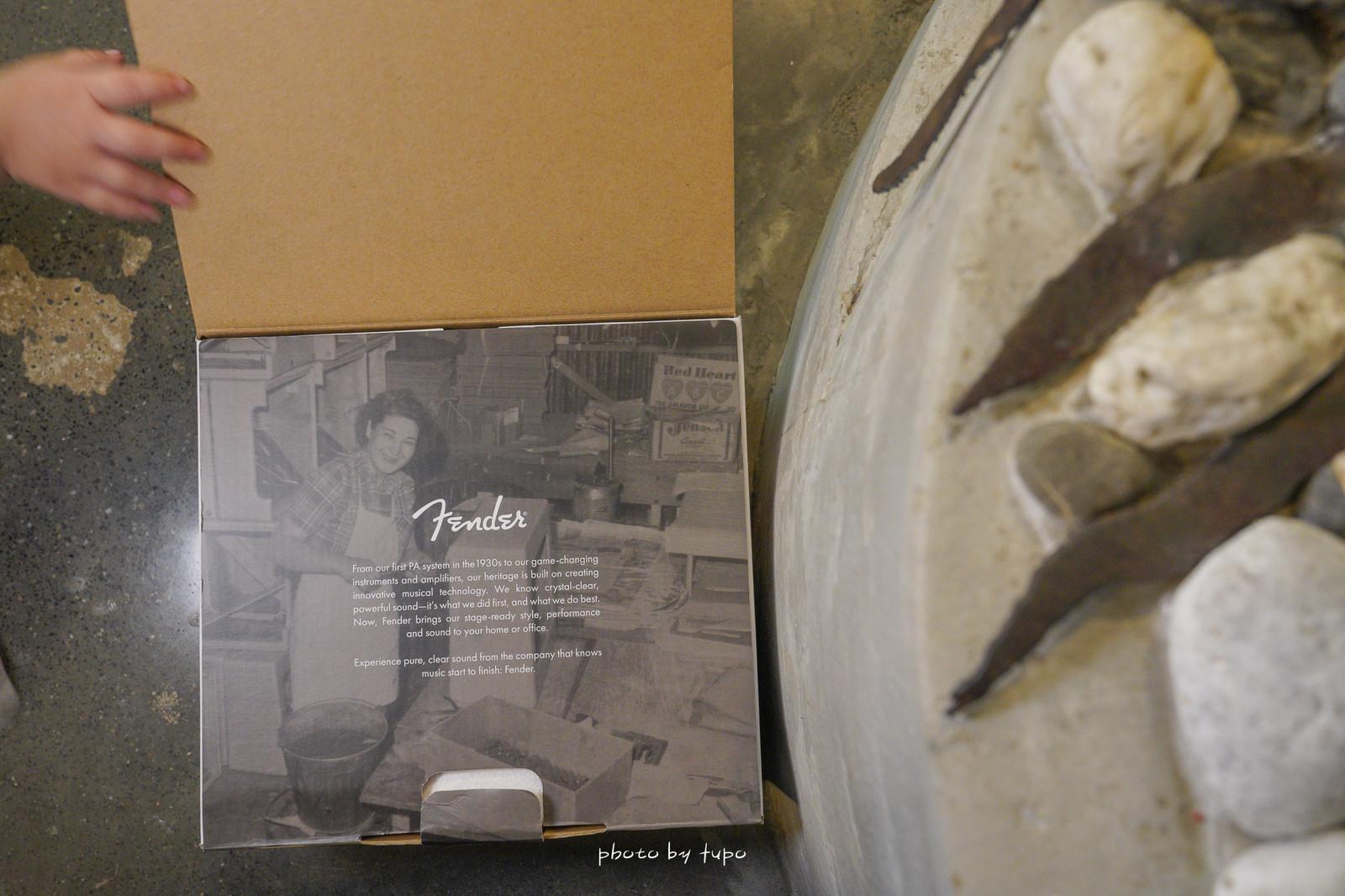 讓耳朵懷孕 》Fender Newport 無線藍牙喇叭:好音質隨身帶著走、小巧好攜帶、復古面板、用過回不去了。