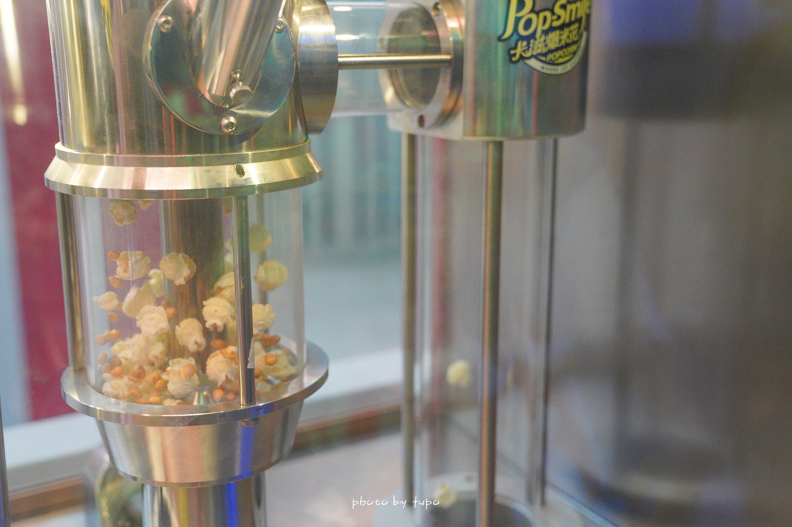 新北八里景點》卡滋爆米花觀光工廠樂園~巨大爆米花桶!多款爆米花試吃,爆米花DIY,處處都好拍