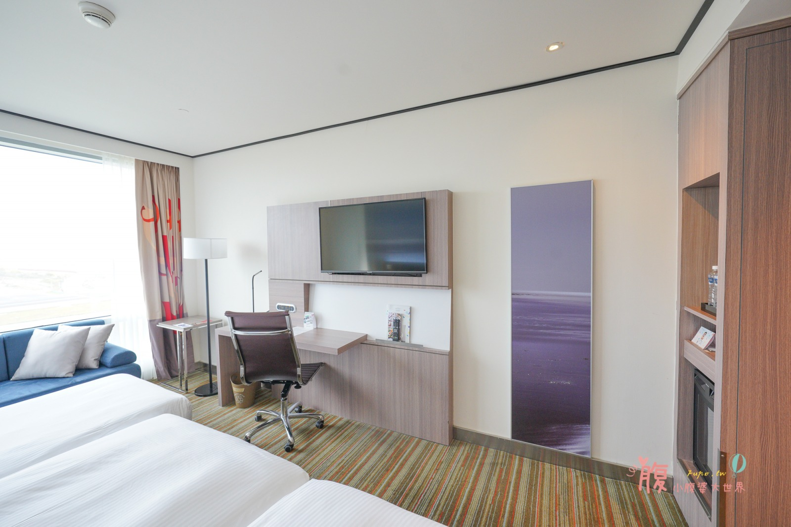 桃園住宿》在房間就可以看飛機!台北諾富特華航桃園機場飯店,未滿16歲可免費加床,還有室內游泳池和戲水池,超美跑道打卡點~