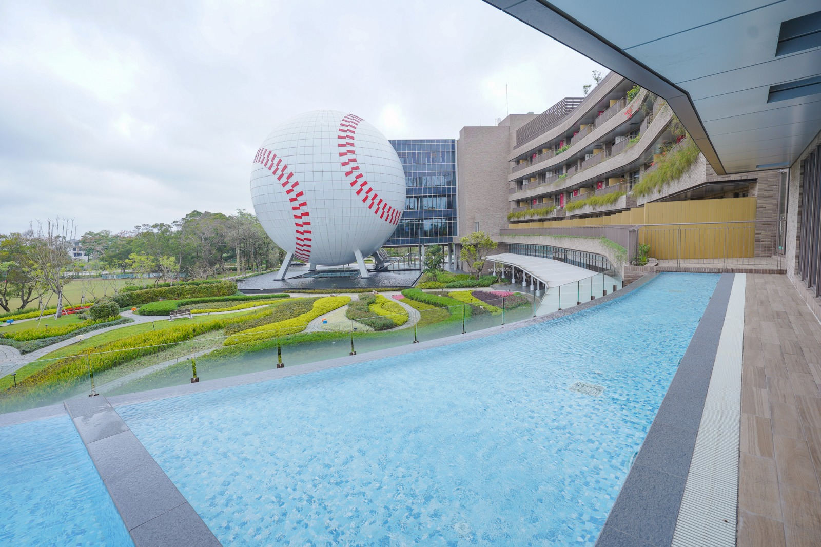 雷友社團限定‼ 名人堂花園大飯店史努比主題客房,史努比房秘密,一泊三食方案,送棒球名人堂代幣、DIY,可搭配桃園補助