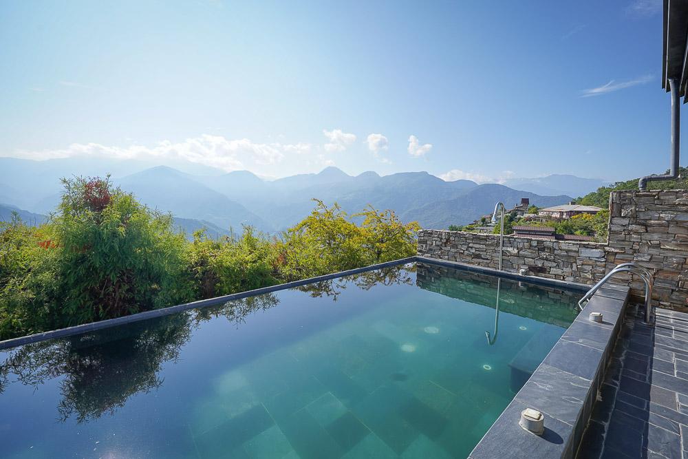 清境普羅旺斯玫瑰莊園 |清境住宿,超唯美溫水山嵐泳池Villa,躺著就可以欣賞綿延山嵐,晚上看滿天星空