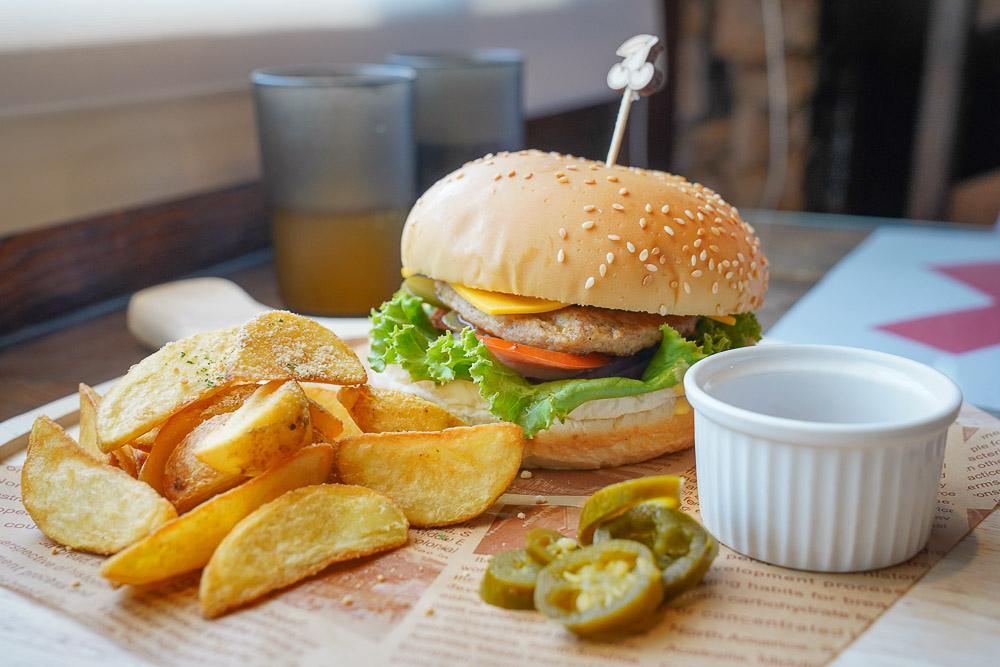 清境早午餐》清境普羅旺斯玫瑰莊園全新早午餐系列,手做漢堡肉,活力早餐盤,菜單價位