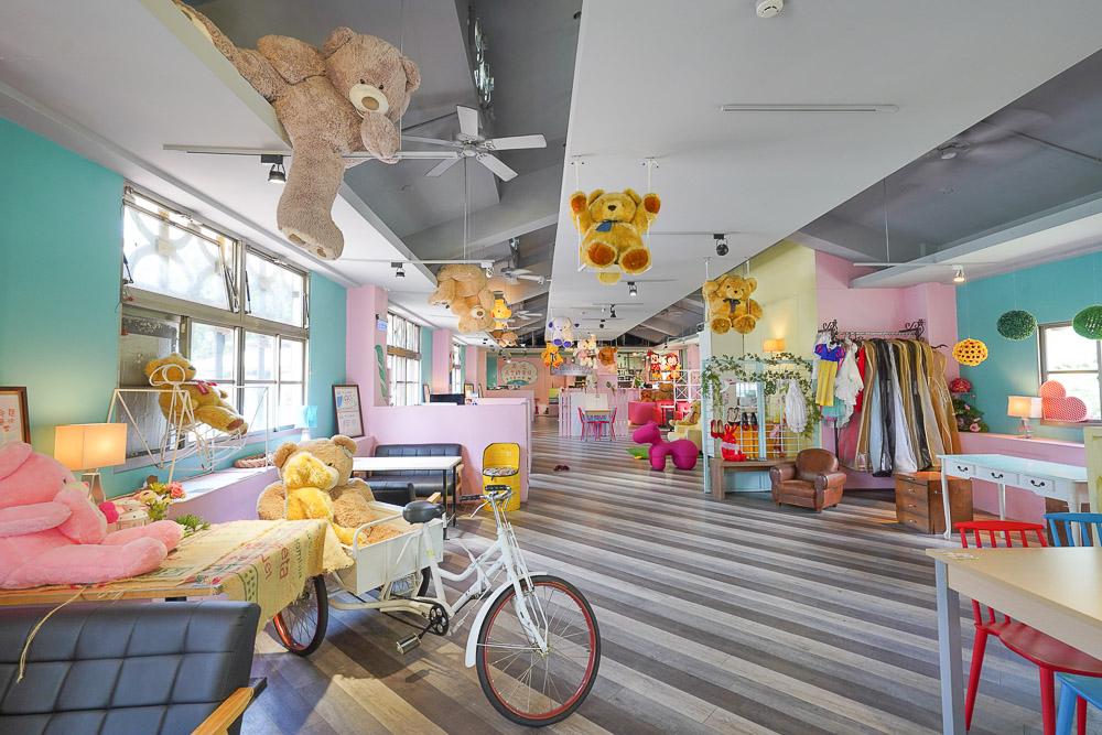 清境愛情故事館 |清境小瑞士花園旁的婚紗拍攝餐廳,滿滿小熊療癒系餐廳,用餐就送一張專業攝影照~