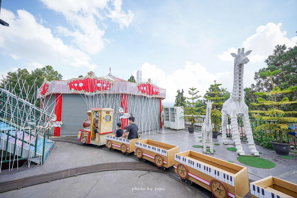 清境紙箱王音樂城堡|南投清境景點,免費兩層樓旋轉溜滑梯,消費滿百還送小火車券